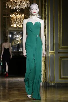 Ulyana-Sergeenko-Couture-FW15-Paris-3970-1436117270-bigthumb.jpg