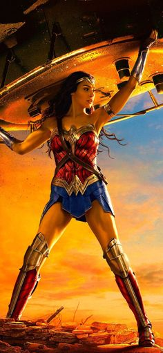 Wonder Woman Lifting Tank In Resolution Wonder Woman Pictures, Wonder Woman Art, Gal Gadot Wonder Woman, Wonder Woman Movie, Wonder Woman Cosplay, Batman Vs Superman, Batman Comics, Batman Art, Batman Robin