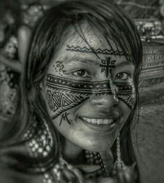 Native American Girls, American Indian Girl, African Art Projects, Tribal Makeup, Arte Tribal, Aesthetic People, Cultural, Human Art, People Around The World