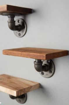 Anthropologie-Style-INDUSTRIAL-Rustic-STEAMPUNK-WOOD-AND-PIPE-WALL-SHELF-Unique
