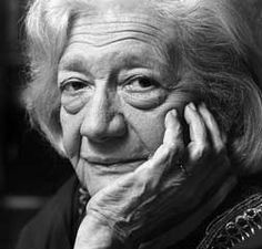 Ana Maria Matute, para le recuerdo... Una de las grandes que se va pero nos quedan sus palabras y pensamientos y esos nunca se irán,... gracias Ana por haber compartido tu vida con nosotros...