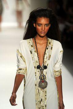 2011 Spring New York Fashion Week: Naeem Kahn