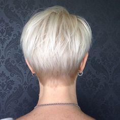 Short Layered Blonde Haircut