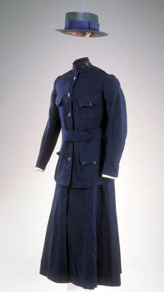 Nurses Dress Uniform B. Altman and Company New York, NY wool Julia… Historical Costume, Historical Clothing, Army Training, Training School, Vintage Military Uniforms, Vintage Outfits, Vintage Fashion, Vintage Nurse, Steampunk