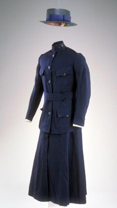 Nurses Dress Uniform c.1919  B. Altman and Company  New York, NY  wool  Julia D.S. Snow (1891-1984) (Greenfield,Mass.) wore this uniform while serving as an Army nurse during WWI.  Julia was a volunteer student nurse at the Army training school of the Walter Reed Hospital in Washington, D.C. from 1918 to 1919.  Memorial Hall