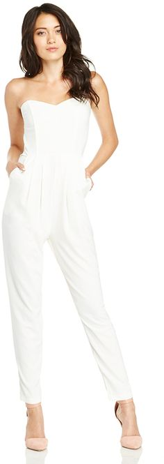 DAILYLOOK Chic Strapless Jumpsuit in ivory