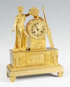Reloj de sobremesa Primer Imperio; Francia, hacia 1820.Bronce dorado al mercurio.Valor estimado 1500-2000 Euros