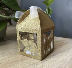 Many people believe that there is a magical formula for home decoration. You do things… Candy Wedding Favors, Wedding Gift Bags, Wedding Favor Boxes, Wedding Ideas, Wedding Planning, Favour Boxes, Ribbon Wedding, Wedding Trends, Wedding Decorations