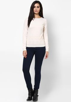 Now, maintain your fashionable status even during those chilly days wearing this beige coloured jumper from Dorothy Perkins. Fashioned from 100% acrylic, this jumper is designed to provide you ultimate comfort all day long. To look your best, team this jumper with black pants and boots.