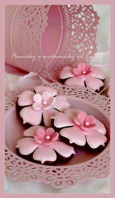Pretty Flower Cookies!