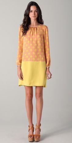 love summer dresses @Szilvy Aros .. mira para tus vestidos cortos idea! cortar y poner otra tela lisa :)