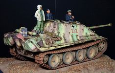 Winter Panzer Crew by Donghyun Jung (Alpine Miniatures 1/35)