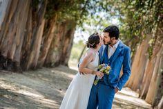 Fotografos profesionales de Matrimonios - LM Fotografias Diana, Wedding Dresses, Photography, Fashion, Weddings, Bride Dresses, Moda, Bridal Gowns, Photograph