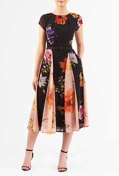 Tropical Floral Print Georgette Belted Dress with pockets from eShakti. #wewantpockets #pocketsrock www.pocketsrock.com; dresses with pockets. The Pockets Rock site contains affiliate links. If you make a purchase after following a link from the site, Pockets Rock may receive a small commission.