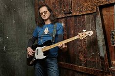 Who is Geddy Lee and what is his net worth Geddy Lee is a man like any other man, but his talent and skills make him special. He is a well-known musician, Geddy Lee Jazz Bass, Rush Albums, Micro Chant, Rush Concert, Fender Jazz Bass, Bass Guitars, I Love Bass, Rush Band, Alex Lifeson