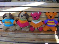 Muñequitos de lana natural Lana, Crochet Hats, Natural, Amigurumi, Knitting Hats, Nature, Au Natural