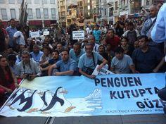 #direngazeteci gazeteciler istanbul'da eylemde 12.07.2013 serkanocakkk Serkan Ocak 32 dk ozgur basin onurumuzdur... #direngazeteci pic.twitter.com/6qWxMSplqm