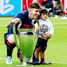 2015 El segundo triplete de Leo Messi y el primero de Thiago.