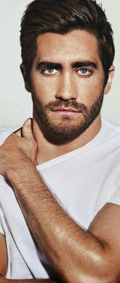 Jake Gyllenhaal.. how can any woman look at this picture and NOT be at a loss for words??