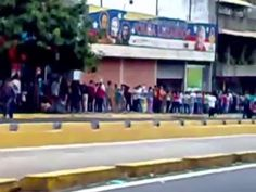 14/12/2015 Lunghe code a Caracas, Avenida Fuerzas Armadas
