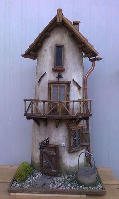 Coppo tegola 8 Clay Fairy House, Fairy Garden Houses, Paper Clay, Paper Toys, House Cake, Clay Fairies, Ceramic Houses, Roof Tiles, Fairy Doors