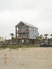 Galveston House Rental: Aqua Vista - Luxurious Beachfront House W/elevator And Great Water Views | HomeAway - sleeps 12 - 5 bedrooms - 4 beds, 1 bunk full/queen beds - dates available 6/28-7/5- $5593.50 - sent email