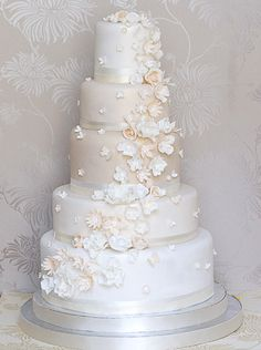 Wedding cake with a colour gradient you say? Why yes! Plus the most delicate hand-made sugar flowers you ever saw.