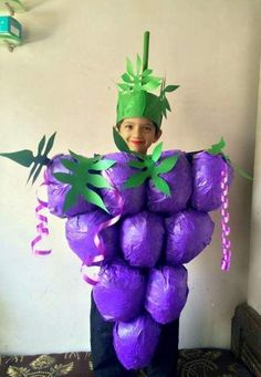 Make Halloween special for your kids withDIY Costumes. Here are the best DIY Halloween Costumes for Kids in 2019 inspired from books, movies, food & comics. Kids Joker Costume, Evil Queen Halloween Costume, Best Diy Halloween Costumes, Diy Baby Costumes, Homemade Costumes, Fancy Dress Costumes Kids, Halloween 2019, Costume Ideas, Grapes Costume
