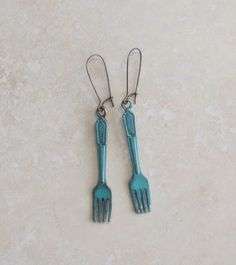 hAnd PaiNteD fOrk eArRinGs, ChEf fOoD jEweLrY giFts fOr mOM FREE SHiPPing by dreamspirit on Etsy https://www.etsy.com/listing/38377156/hand-painted-fork-earrings-chef-food