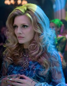 I think I'm going as her for Halloween this year. I love the hair, jewelry, vintage 70's clothing, and the cold stare. #darkshadows #Michellepfeiffer