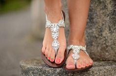 Beautiful pretty sandals.