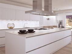 Cocina de aluminio con isla sin empuñaduras S2 by SieMatic Italia