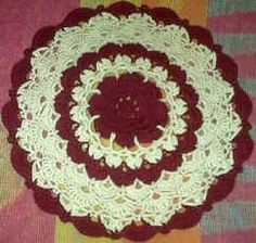 Rose and shells doily crochet pattern.