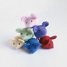 Download Tiny Mouse Amigurumi Pattern (FREE)