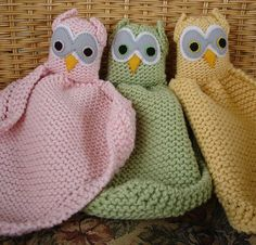 Free knitting pattern for Owl Loveys baby blanket buddy   Also known as blanket buddy, lovey, lovie, comfort blanket, blanket toy, blankie, security blanket, woobie, cuddle.