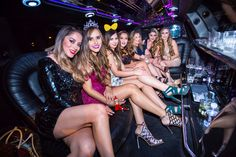Visit Las Vegas in a private Limousine Tour of the Las Vegas Strip. Your personal & experienced photographer will take you on private tour of the city. Las Vegas Limo, Las Vegas Girls, Visit Las Vegas, Vegas Party, Party Bus, Las Vegas Strip, Wedding Limo, Vegas Style, How To Memorize Things