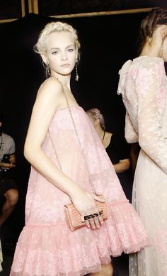 glitter-in-wonderland:  xangeoudemonx:  Ginta Lapina Backstage at Valentino Spring 2012.  xx