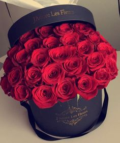 Beautiful Roses, Pretty Flowers, Big Flowers, Happy Birthday Flower, Box Roses, Luxury Flowers, Hanging Flowers, Valentines Day Decorations, Flowers Nature