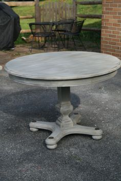 Best Ideas For Kitchen Table Redo Chalk Paint Paris Grey Paint Furniture, Furniture Projects, Furniture Makeover, Home Projects, Gray Wash Furniture, Dresser Makeovers, Wicker Furniture, Antique Furniture, Furniture Design