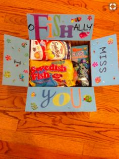 Diy care package - 22 Genius Friend Care Package Ideas Guaranteed To Make Them Smile – Diy care package Camp Care Packages, Missionary Care Packages, Deployment Care Packages, Missionary Mom, College Care Packages, Lds Missionaries, Diy Birthday, Birthday Gifts, Birthday Ideas