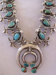 Vintage-1930s-NAVAJO-Cast-Sterling-Silver-amp-Turquoise-SQUASH-BLOSSOM-Necklace
