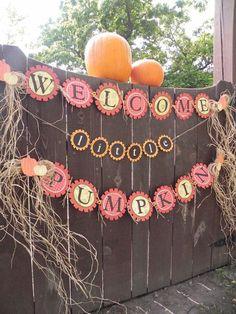 Harvest themed baby shower banner---Welcome Little Pumpkin by BlondiesBitsnBobs on Etsy halloween babyshower ideas Baby Shower Gender Reveal, Baby Shower Themes, Baby Shower Decorations, Shower Ideas, Baby In Pumpkin, Little Pumpkin, Baby Shower Fall, Baby Boy Shower, Fall Baby Showers