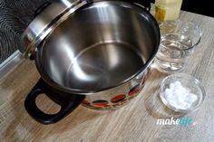 Μην πετάξετε την καμμένη κατσαρόλα. Αστράψτε την Kitchen Aid Mixer, Kitchen Appliances, Homemade Detergent, Tips & Tricks, Wok, Holidays And Events, Clean House, Good To Know, Cleaning Hacks