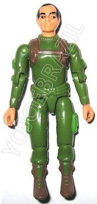 Descrição:   O Bazuqueiro (Dragon) foi lançado no Brasil em 1984 (Série 1) pela companhia de Brinquedos Estrela (Código 15.00.02), a figura corresponde ao modelo straight arm (sem movimento nos cotovelos). Trata-se da versão nacional do Bazooka Soldier [Zap] fabricado em 1982 pela Hasbro pela série G.I. JOE.
