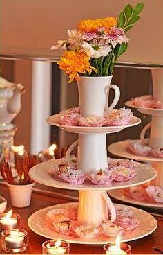 Uma festa linda é feita de detalhes que não precisam necessariamente custar uma fortuna. Saiba como planejar uma fazer festa linda gastando pouco.