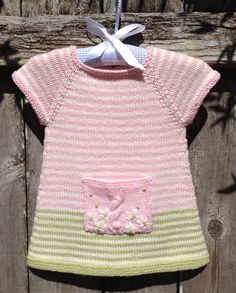 Ravelry: Project Gallery for Button Tunic pattern by Julie Weisenberger Ravelry is a community site, an organizational tool, and a yarn & pattern databaseThis post was discovered by Zu Knitting For Kids, Baby Knitting Patterns, Crochet For Kids, Baby Patterns, Crochet Baby, Baby Pullover, Baby Cardigan, Knit Baby Dress, Tunic Pattern