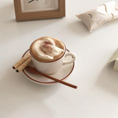 soft aesthetic tones of coffee – food Cream Aesthetic, Aesthetic Coffee, Brown Aesthetic, Aesthetic Food, Coffee Cafe, Coffee Drinks, Coffee Jello, Street Coffee, Coffee Shops