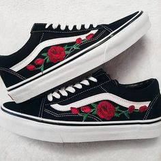 60d6f2b212 LOW TOP Unisex Custom Rose Floral Embroidered Patch Vans Old-Skool Sneakers