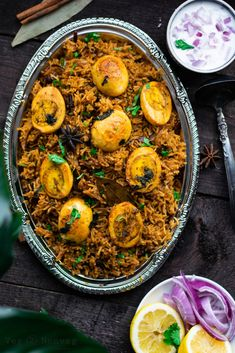 Chettinad egg biryani recipe with step by step photos. Try this one pot flavorful and delicious egg briyani made with freshly grounded chettinad masala. Egg Recipes, Indian Food Recipes, Gourmet Recipes, Vegetarian Recipes, Healthy Recipes, Ethnic Recipes, Healthy Eats, Recipies, Kitchens