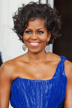 New Arrival First Lady Short Curly Wigs Michelle Obama Wig, Celebrity Wigs Celebrity Wigs, Celebrity Hairstyles, African Hairstyles, Easy Hairstyles, Hairstyles Bangs, Michelle Obama Hairstyles, Curly Hair Styles, Natural Hair Styles, Short Curly Wigs